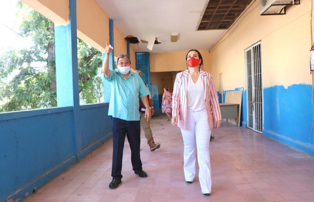 Carmen Lilia Canturosas acondiciona 100 escuelas de Nuevo Laredo
